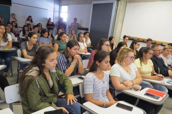 Estudiantes y docentes del IFD de Trinidad