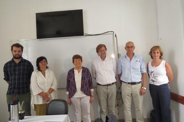 Consejero Estudiantil junto a autoridades del CFE y autoridades del IFD.